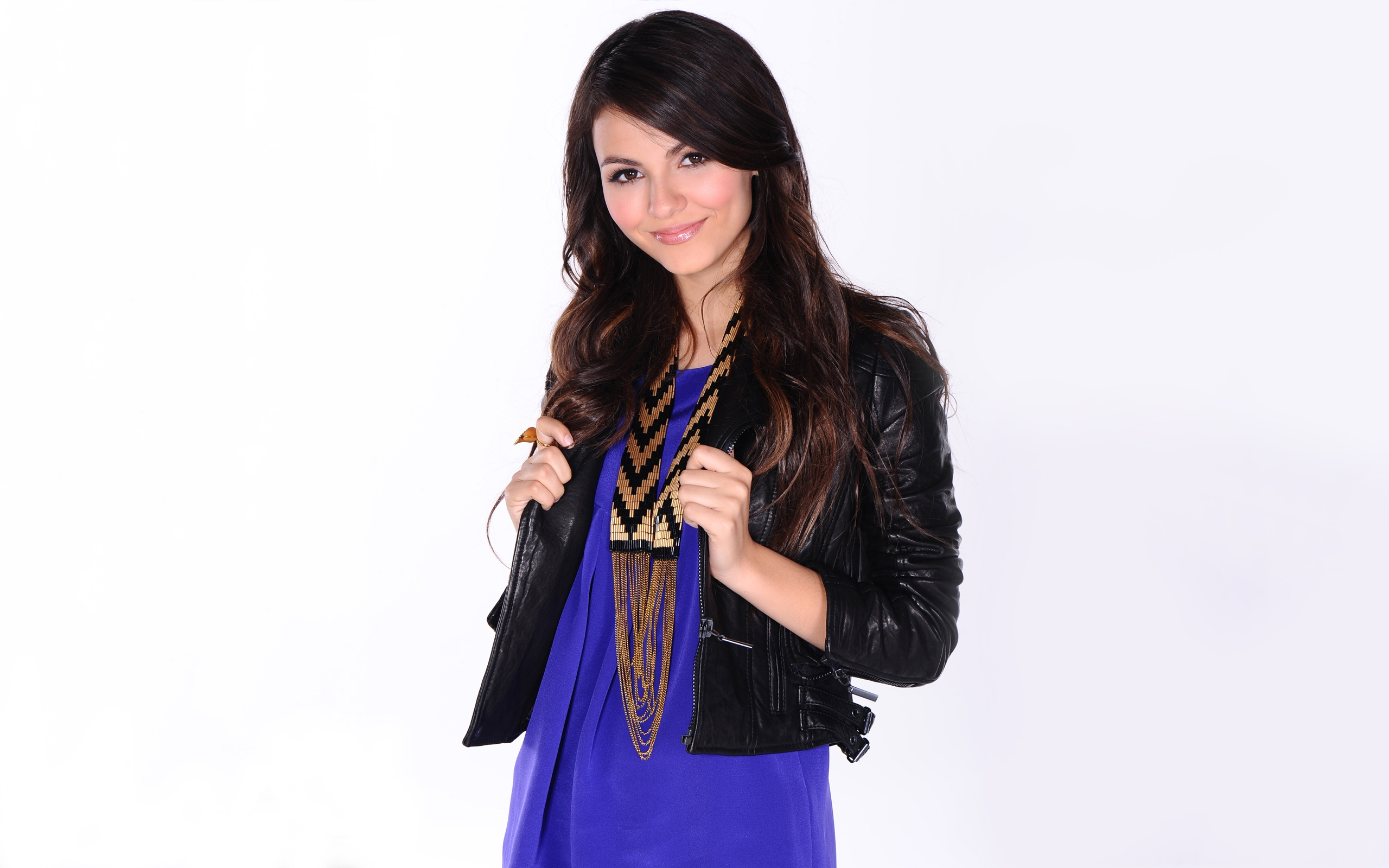 2560x1600 - Victoria Justice Wallpapers 9