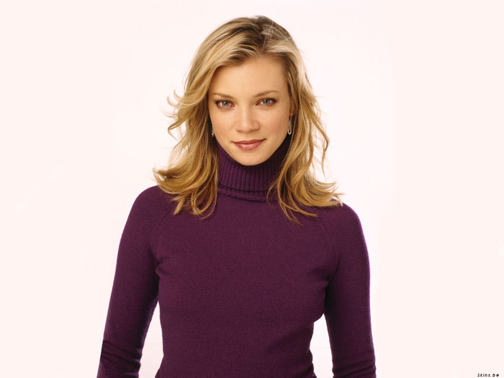1024x768 - Amy Smart Wallpapers 9
