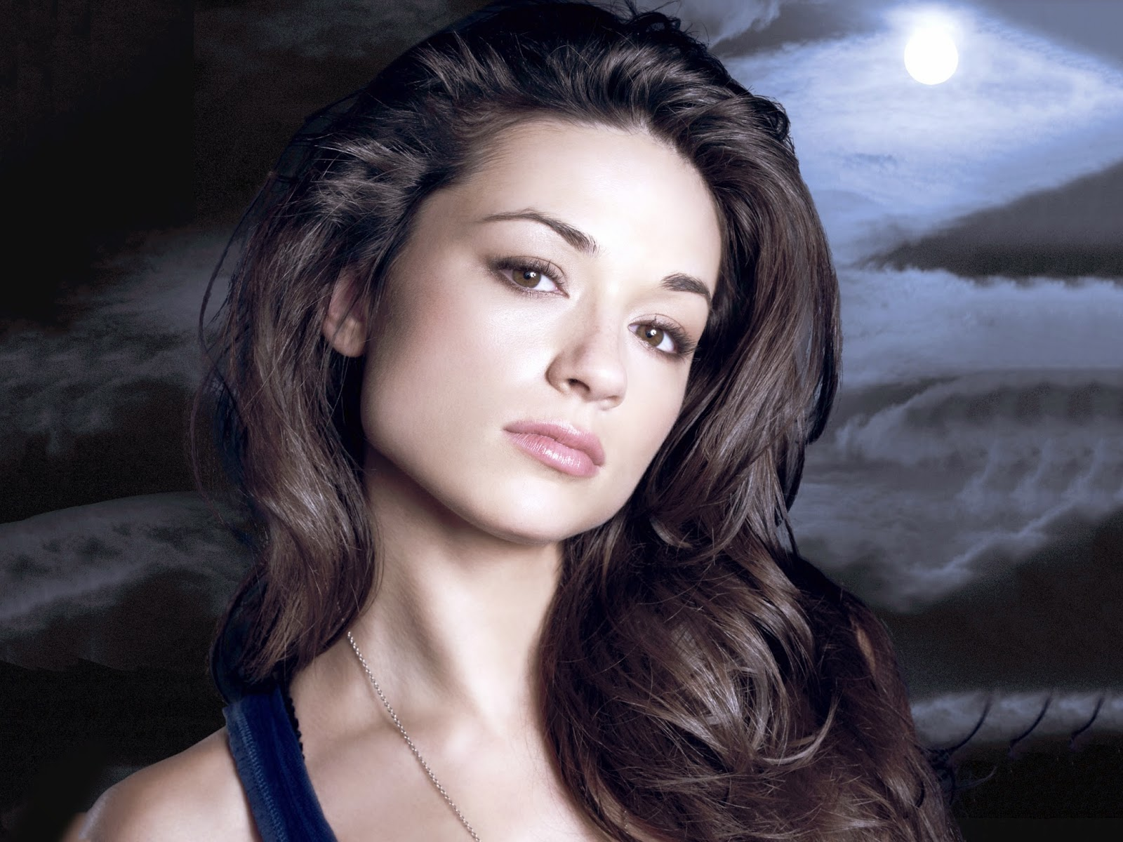 1600x1200 - Crystal Reed Wallpapers 12