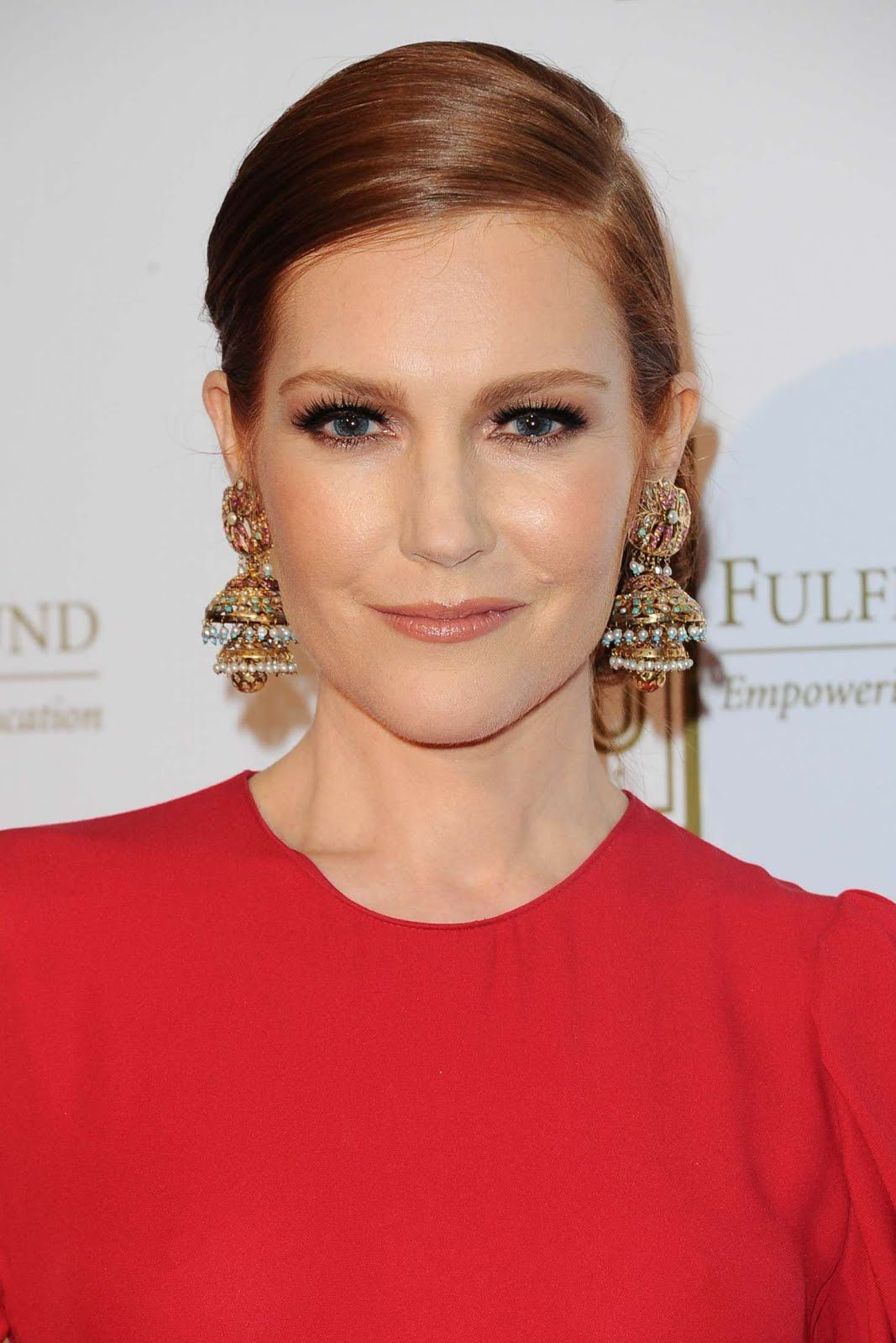 1067x1600 - Darby Stanchfield Wallpapers 16