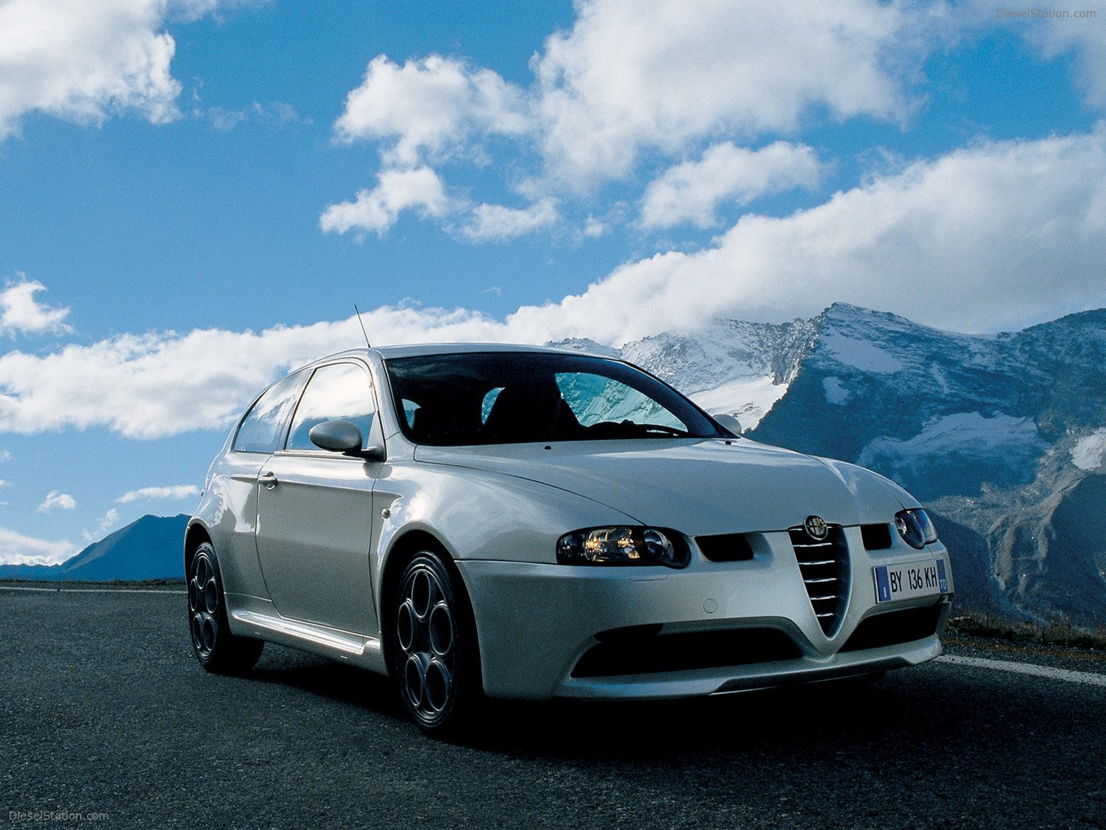1600x1200 - Alfa Romeo 147 Wallpapers 12