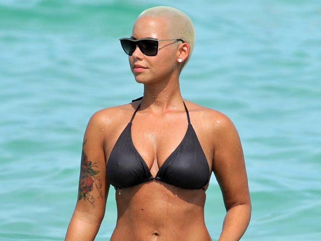 1024x768 - Amber Rose Wallpapers 23