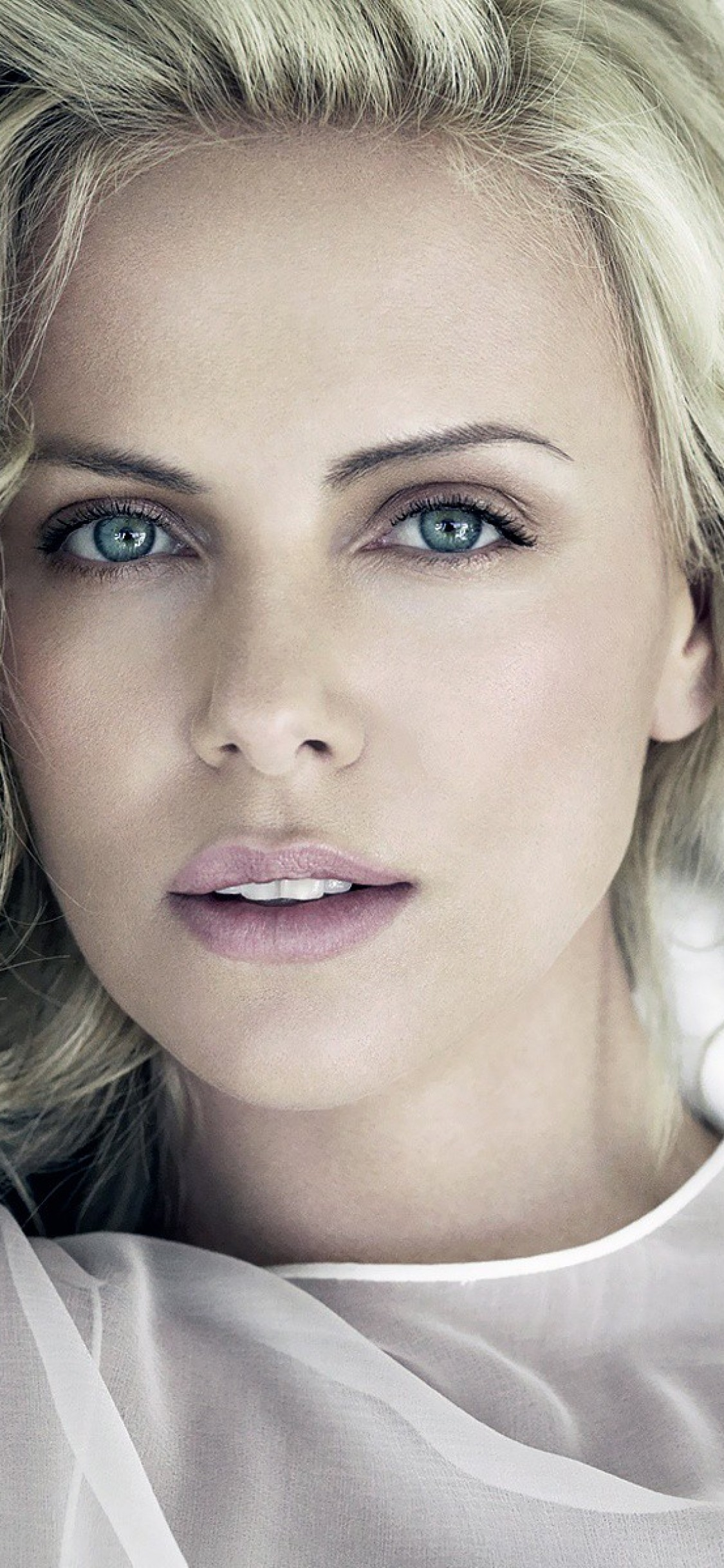 1125x2436 - Charlize Theron Wallpapers 34