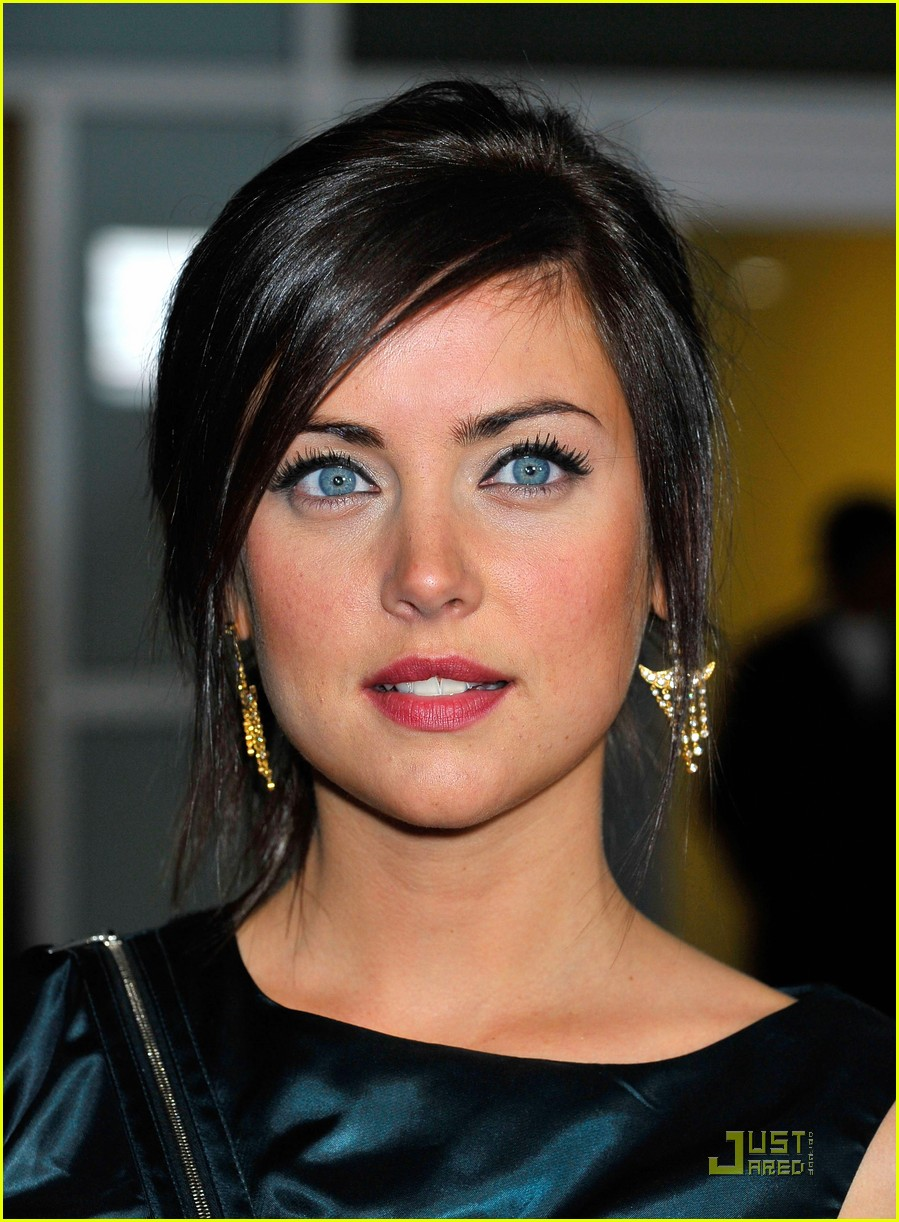 899x1222 - Jessica Stroup Wallpapers 20