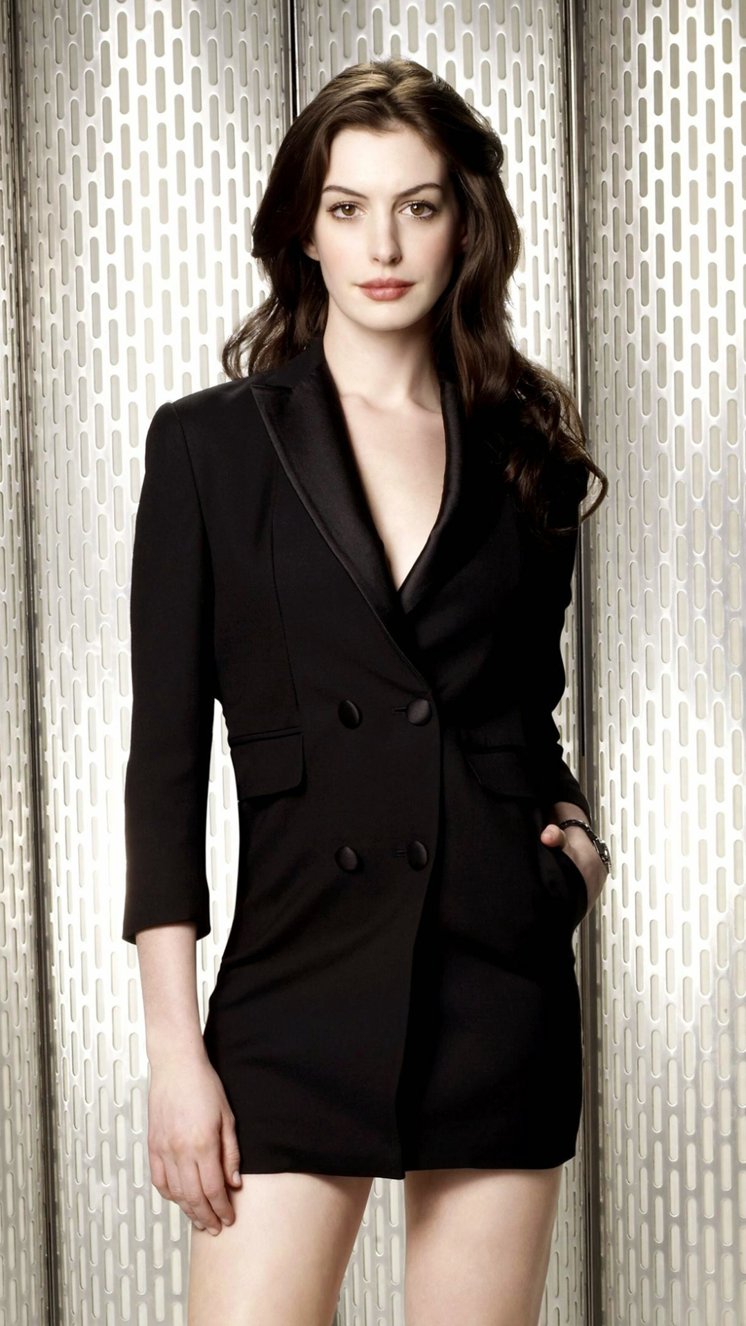 1080x1920 - Anne Hathaway Wallpapers 21