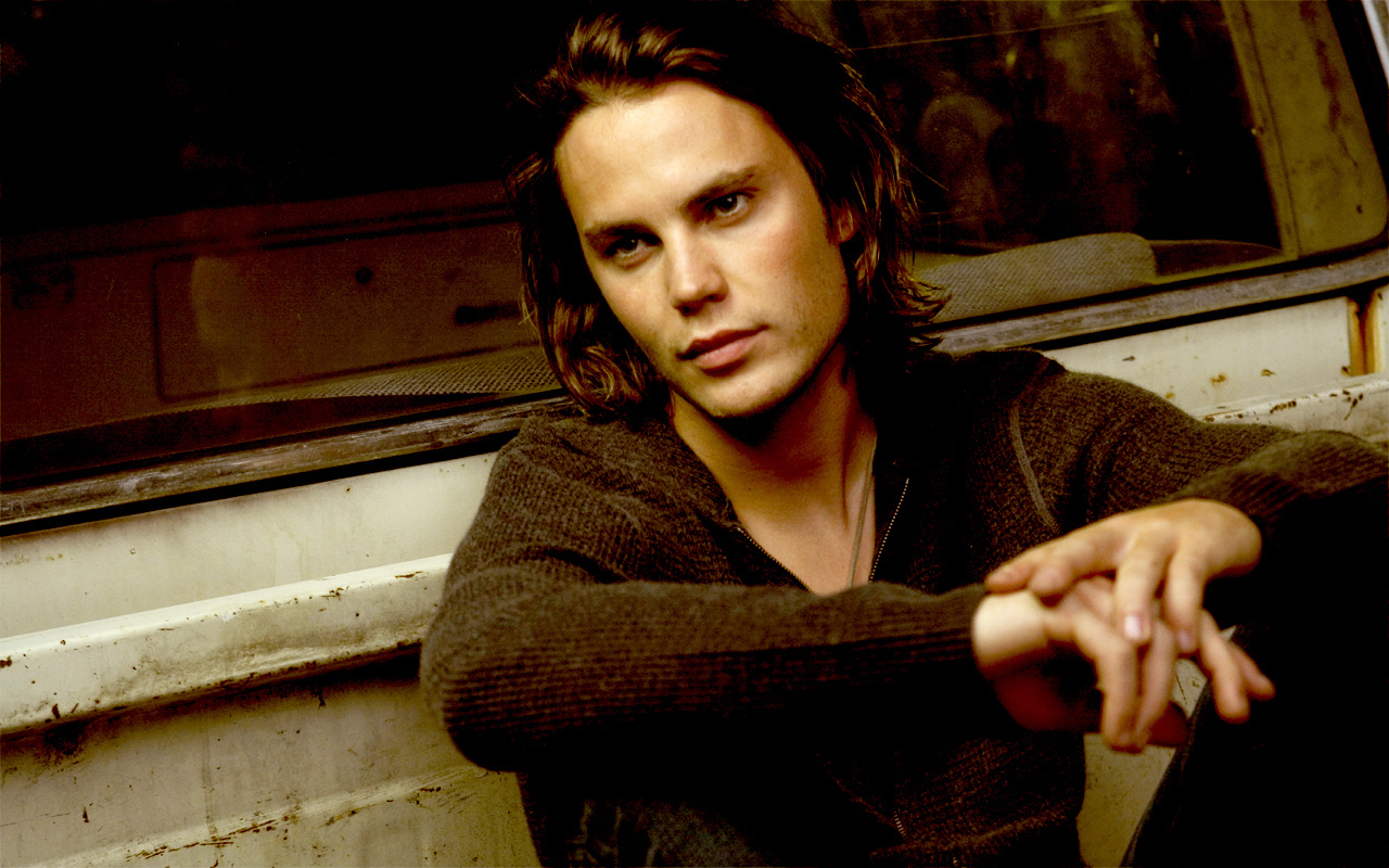 1280x800 - Taylor Kitsch Wallpapers 6