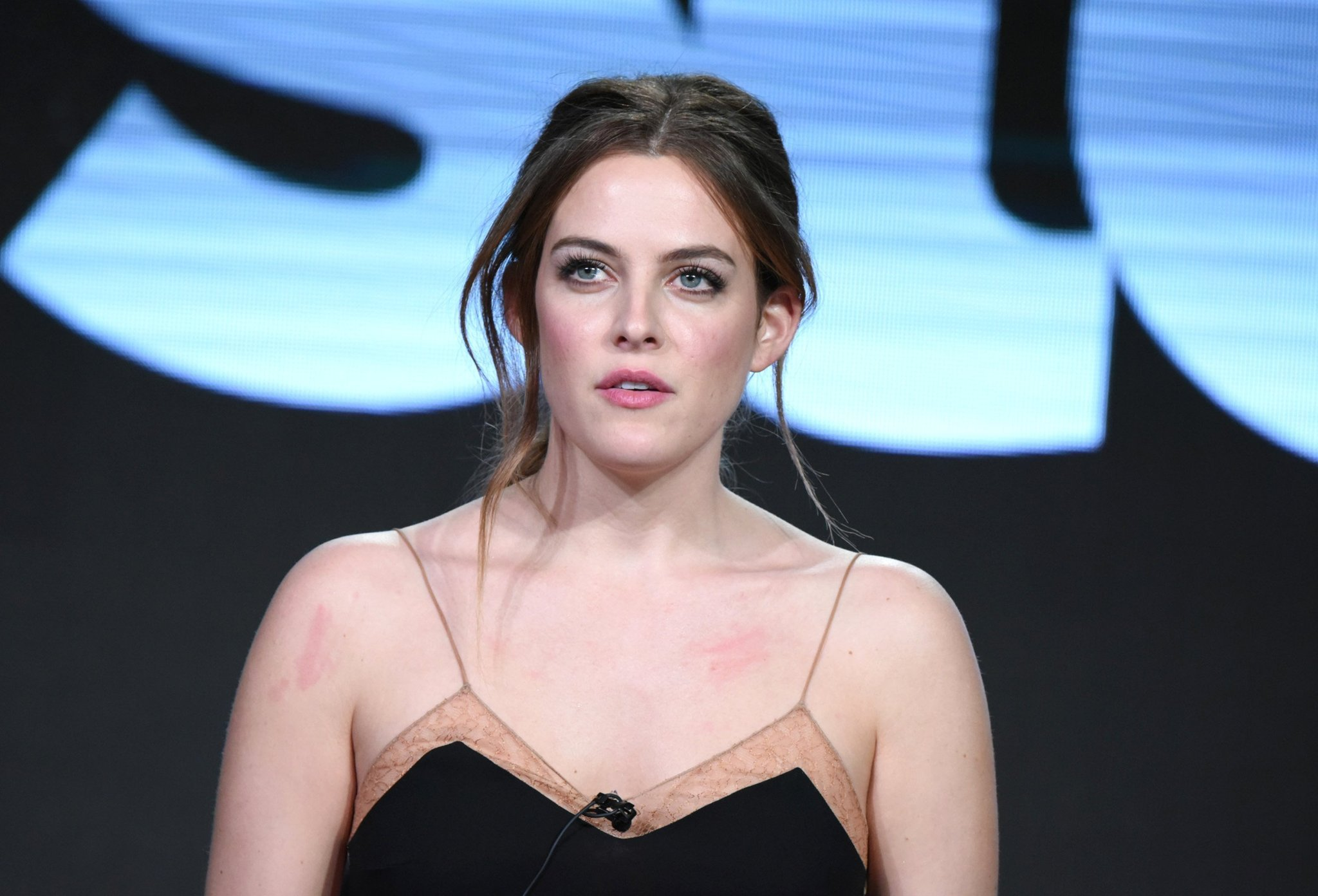 2048x1392 - Riley Keough Wallpapers 22