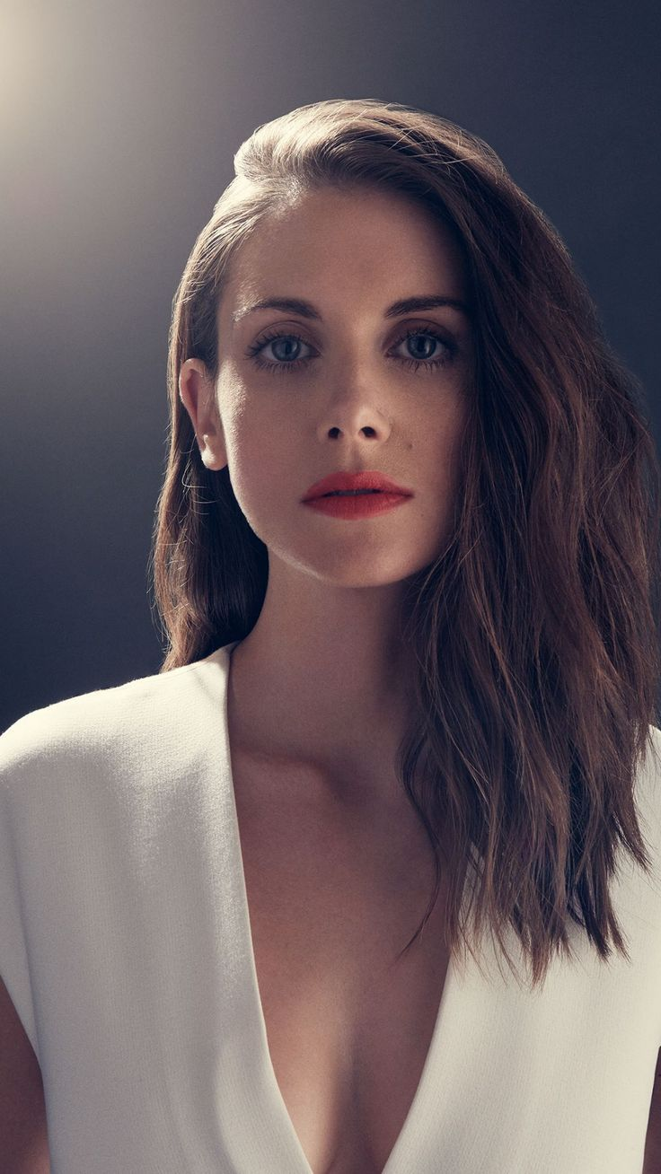 736x1308 - Alison Brie Wallpapers 14