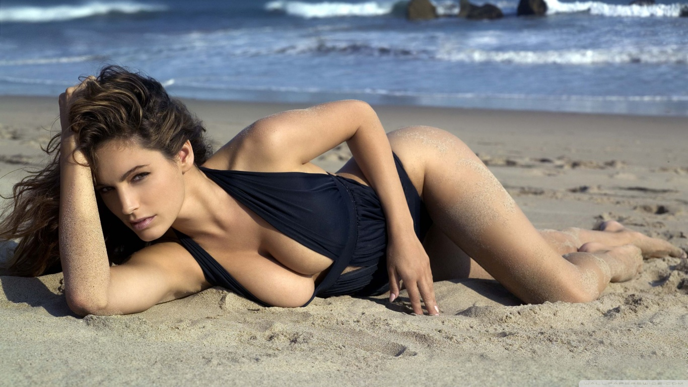 1366x768 - Kelly Brook Wallpapers 14