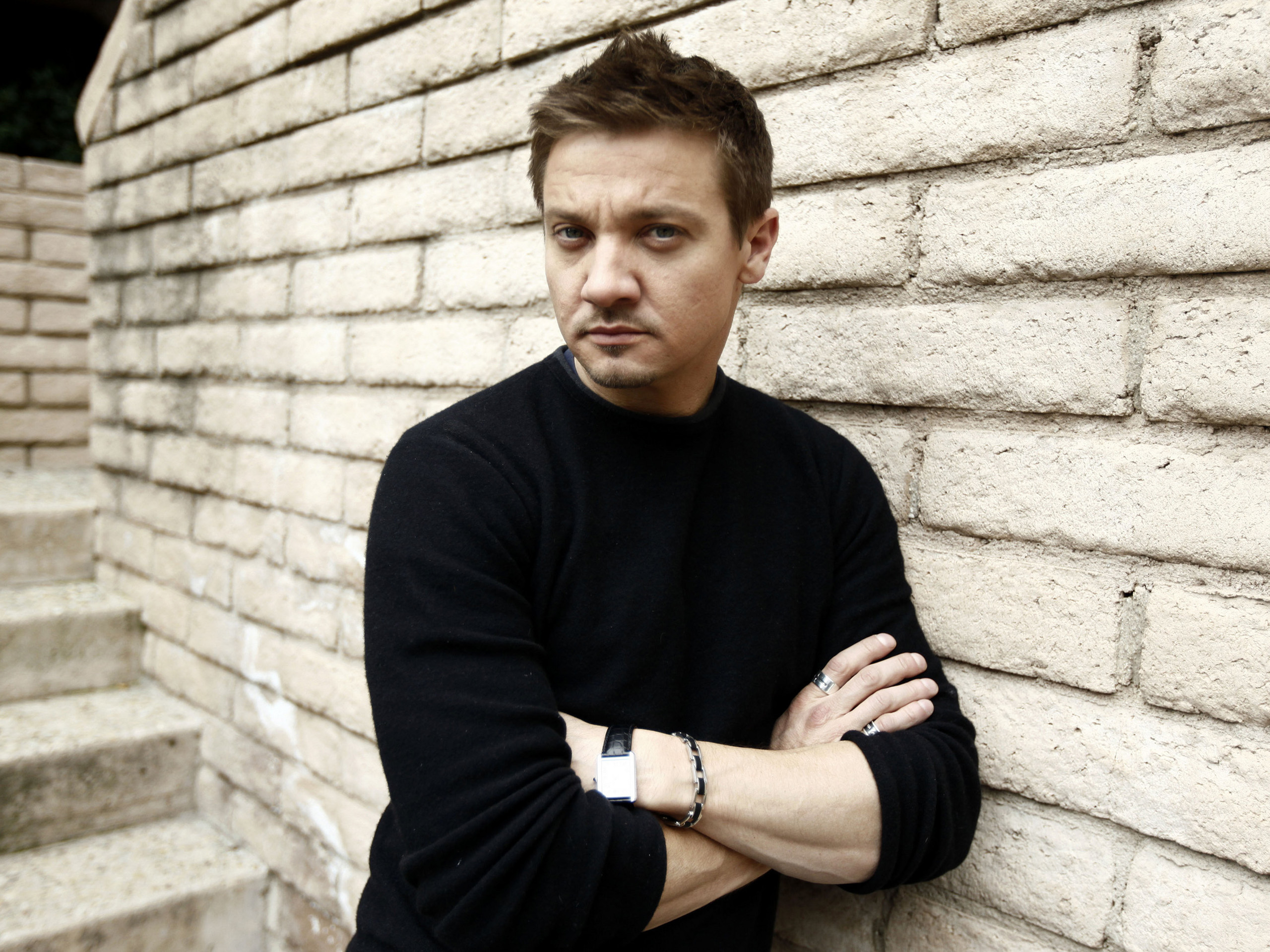 2560x1920 - Jeremy Renner Wallpapers 7