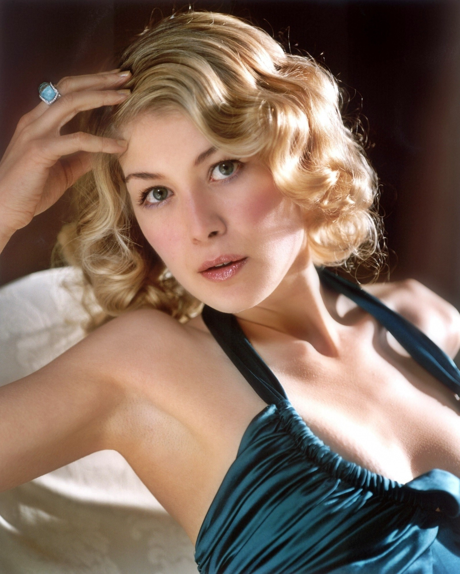 1599x1993 - Rosamund Pike Wallpapers 15