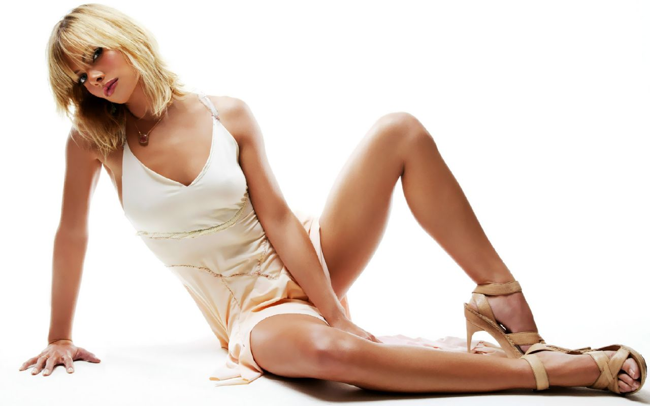 1280x800 - Jaime Pressly Wallpapers 19