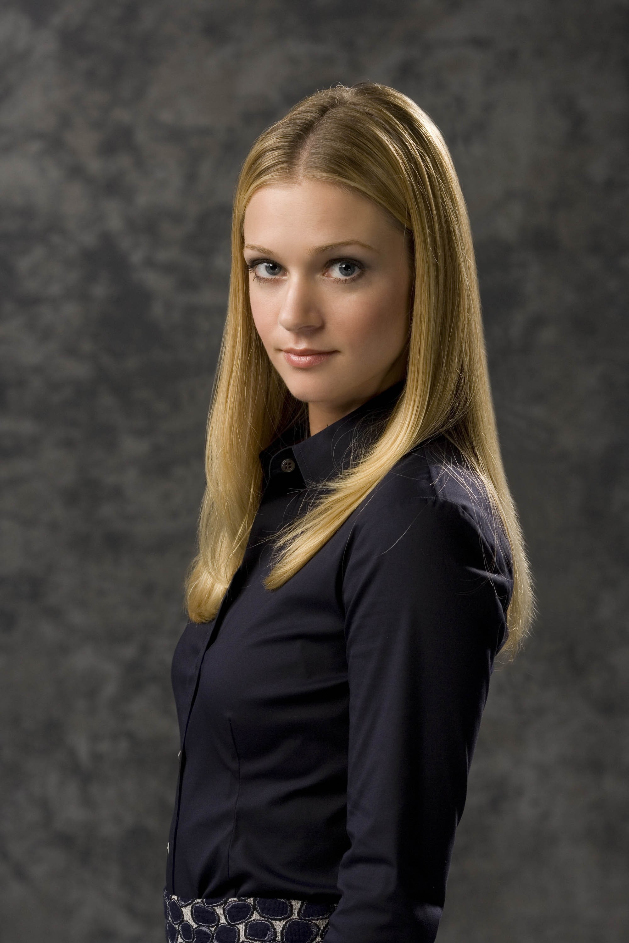 2000x3000 - A.J. Cook Wallpapers 4