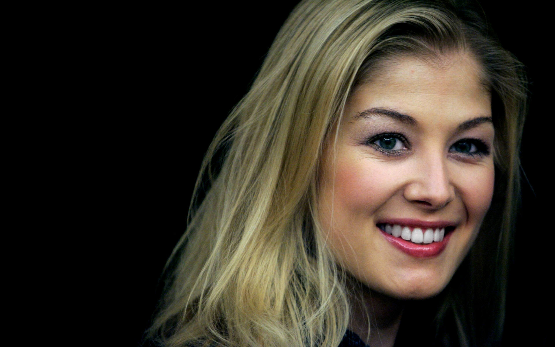 1920x1200 - Rosamund Pike Wallpapers 17