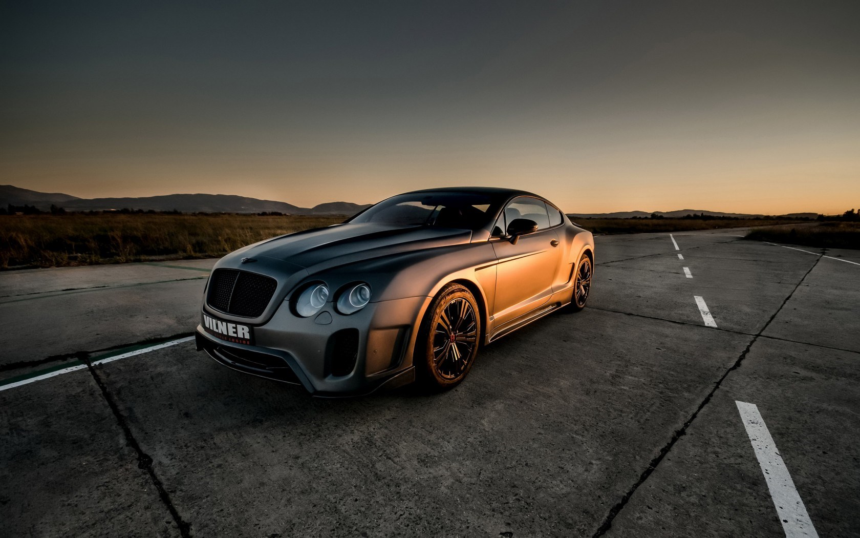 1680x1050 - Bentley Continental GT Wallpapers 7