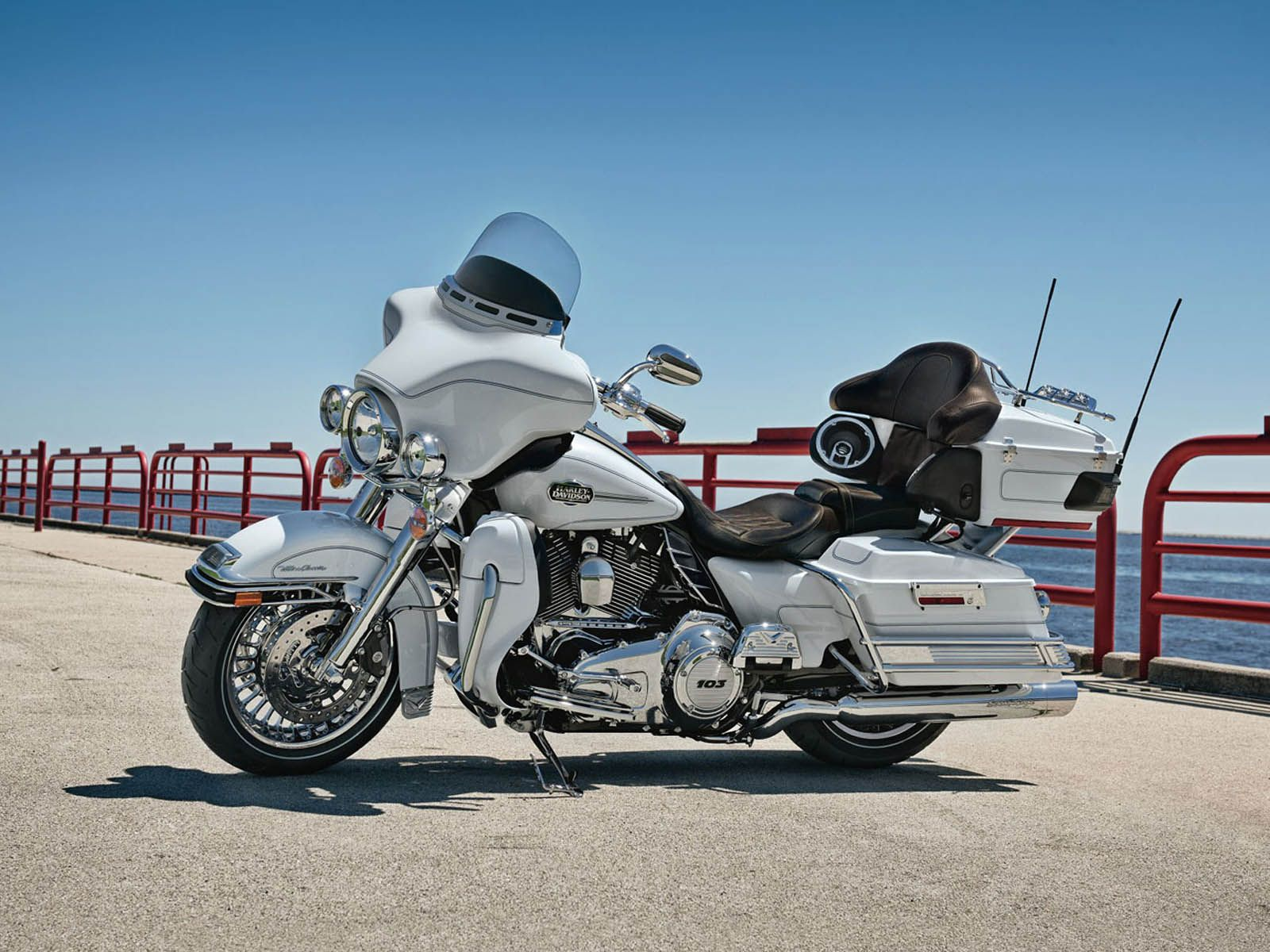 1600x1200 - Harley-Davidson Electra Glide Ultra Classic Wallpapers 9