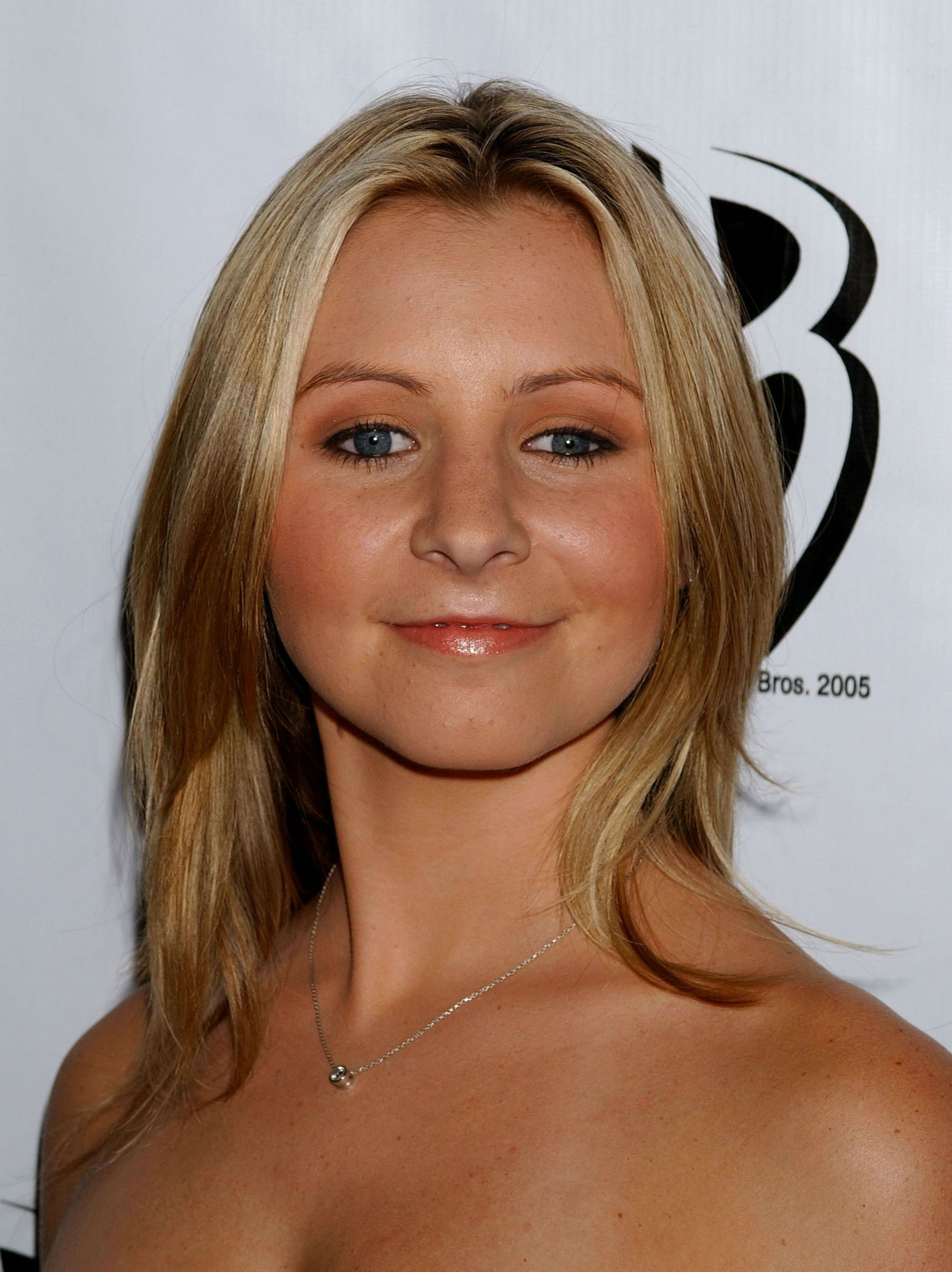2095x2800 - Beverley Mitchell Wallpapers 24