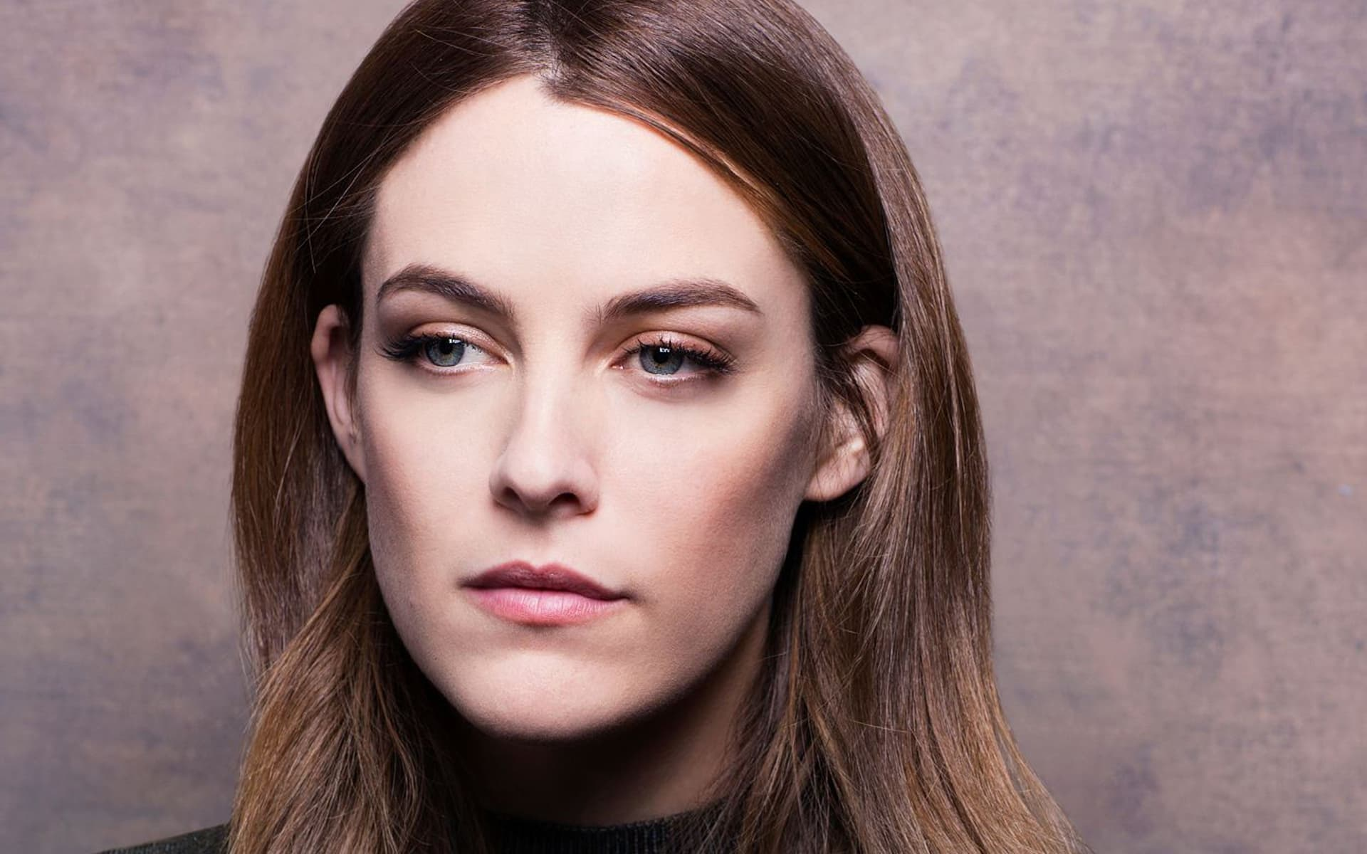 1920x1200 - Riley Keough Wallpapers 29