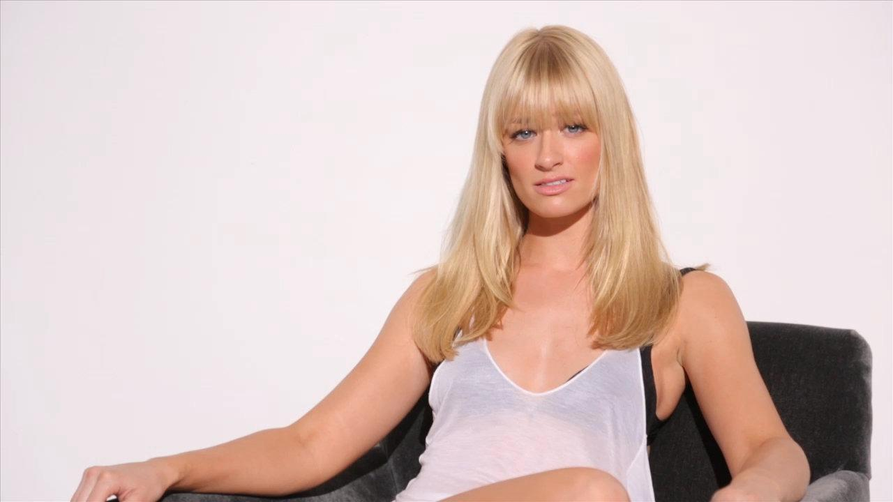 1280x720 - Beth Behrs Wallpapers 27