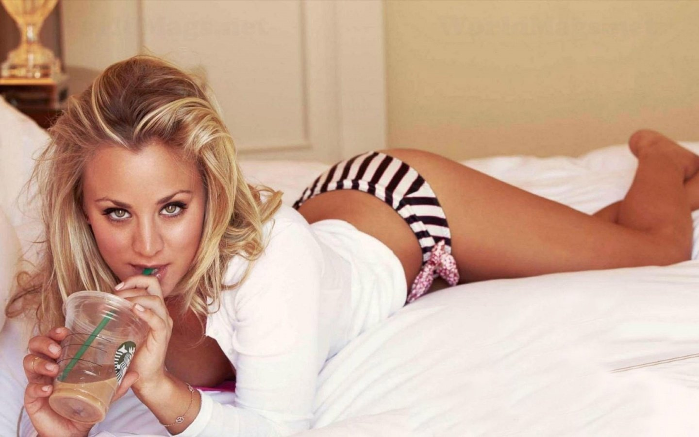 1440x900 - Kaley Cuoco Wallpapers 30