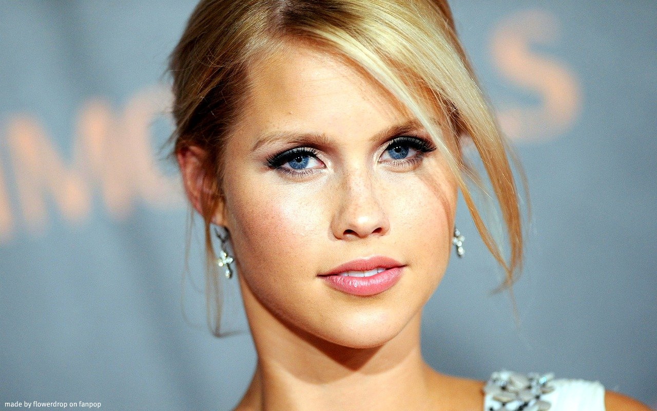 1280x800 - Claire Holt Wallpapers 14