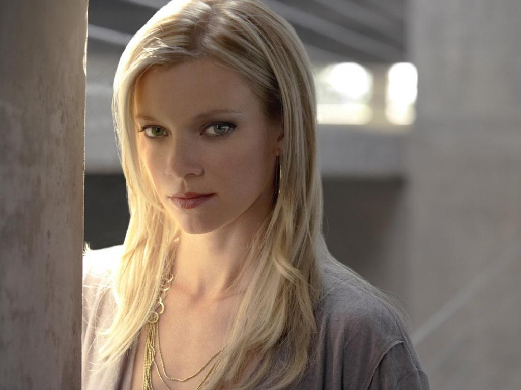 1024x768 - Amy Smart Wallpapers 23