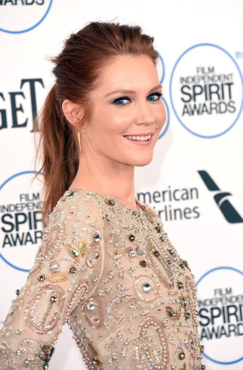 800x1214 - Darby Stanchfield Wallpapers 8