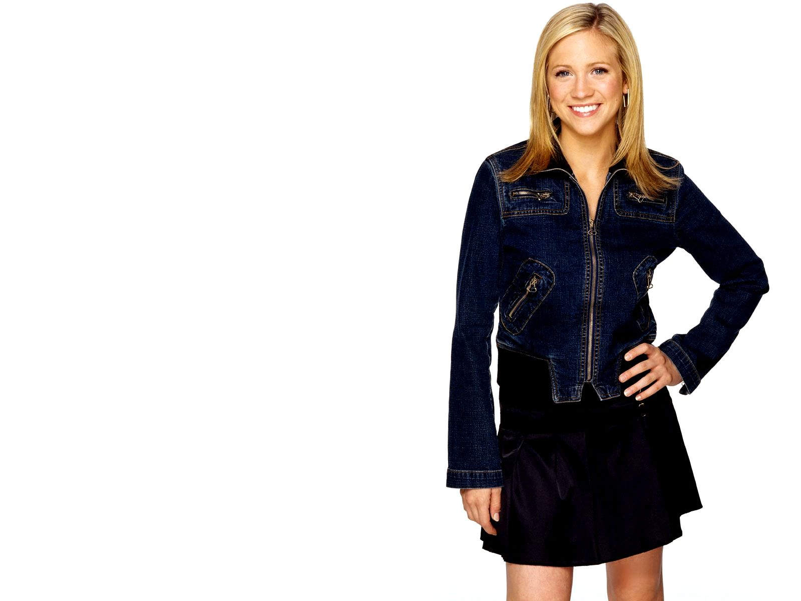 1600x1200 - Brittany Snow Wallpapers 16