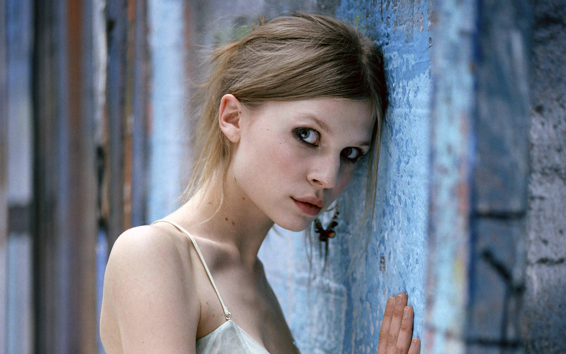 1920x1200 - Clemence Poesy Wallpapers 13