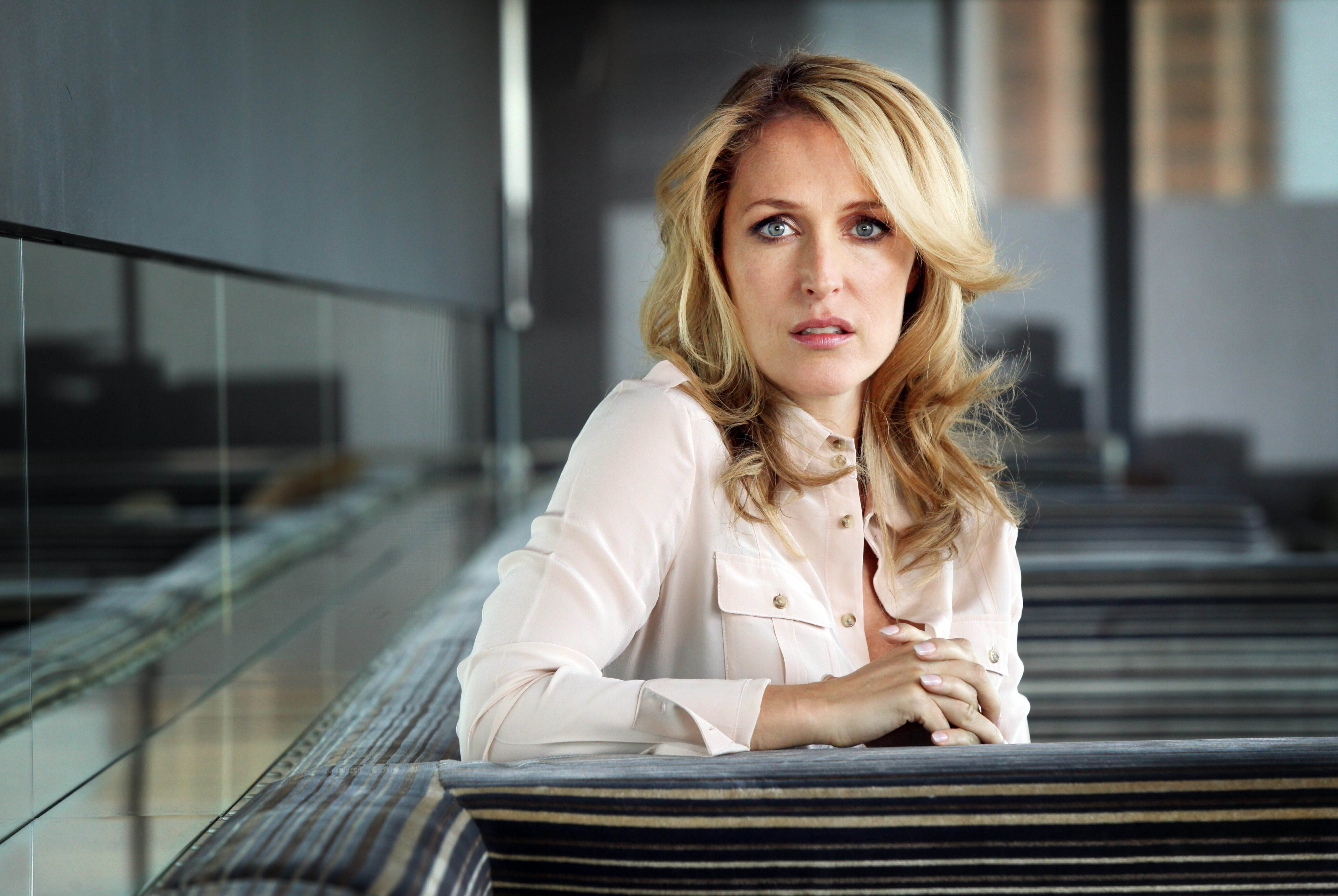 5592x3744 - Gillian Anderson Wallpapers 8