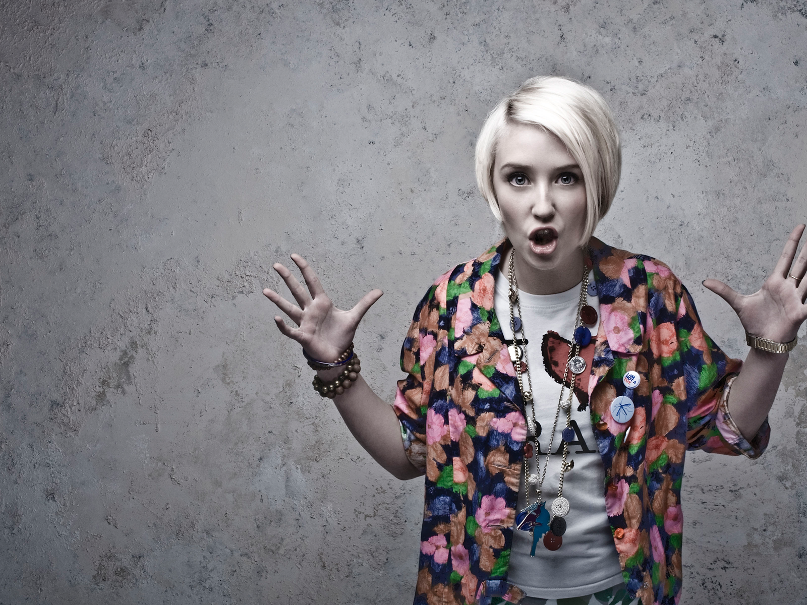 1600x1200 - Lily Loveless Wallpapers 21