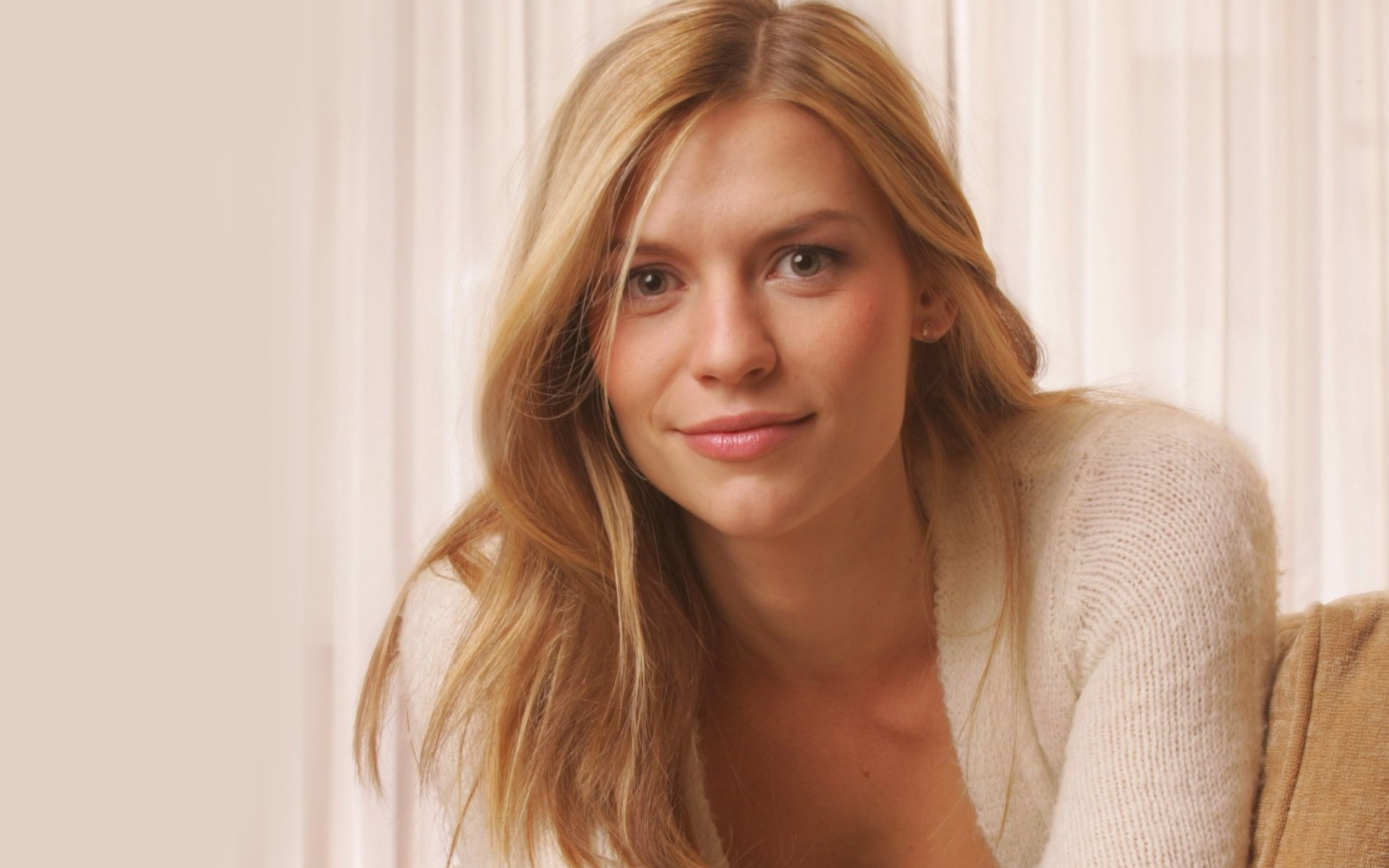 1920x1200 - Claire Danes Wallpapers 11