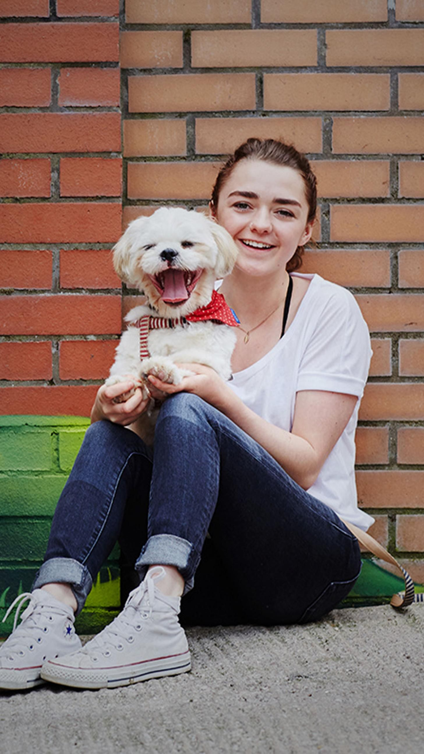 1456x2590 - Maisie Williams Wallpapers 24