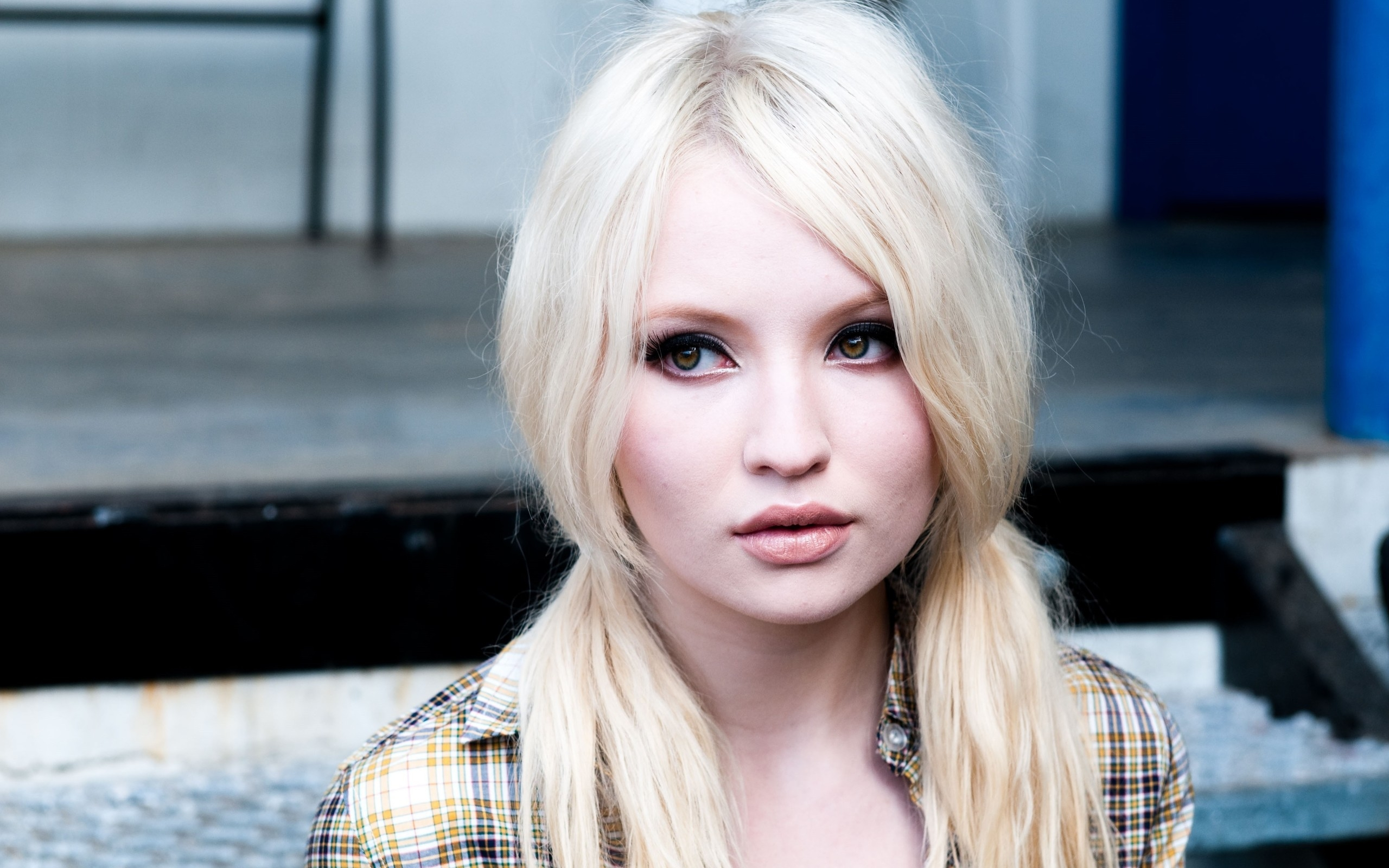 2560x1600 - Emily Browning Wallpapers 10