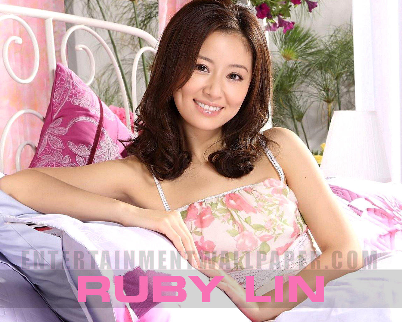 1280x1024 - Ruby Lin Wallpapers 7