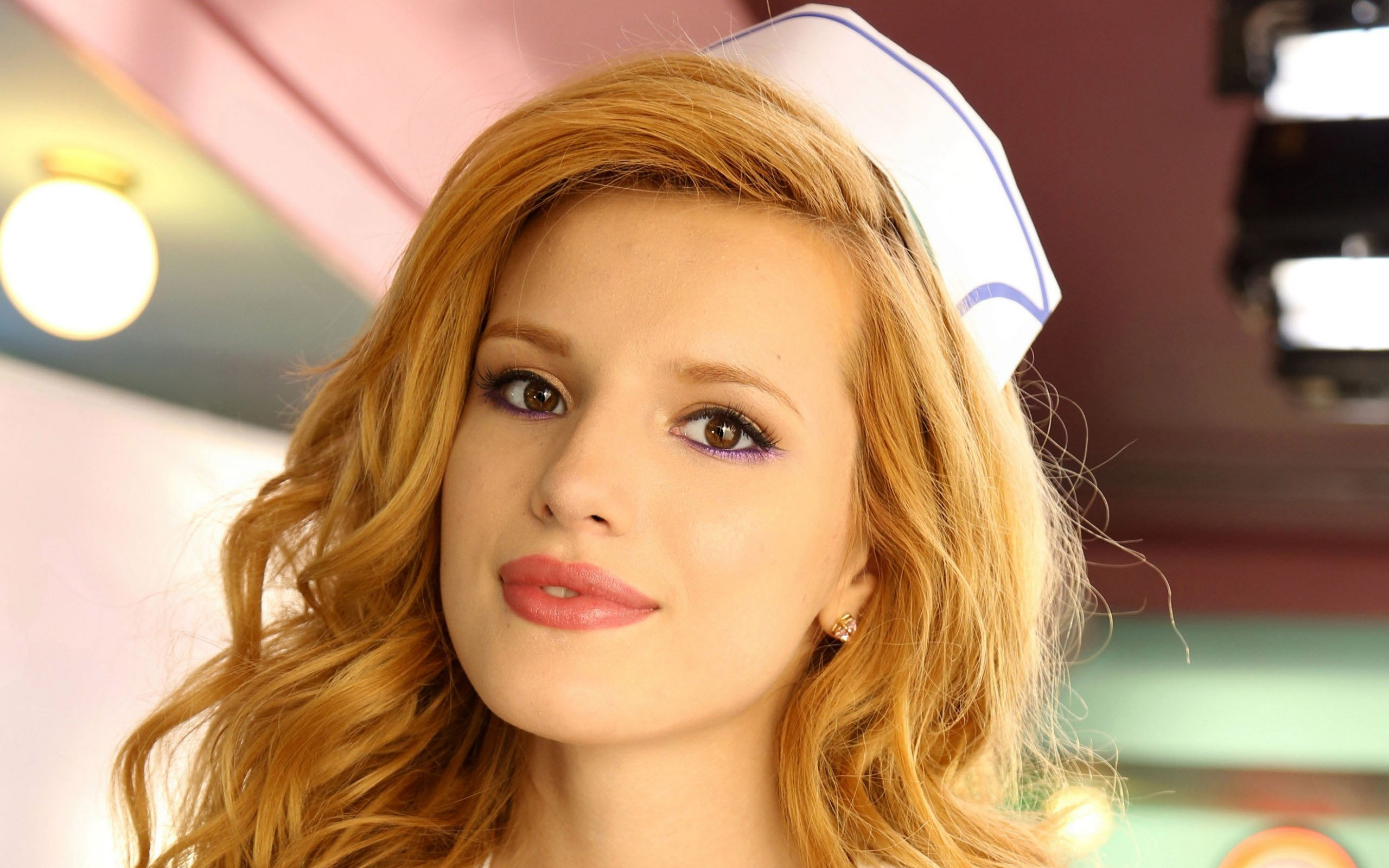 2560x1600 - Bella Thorne Wallpapers 1