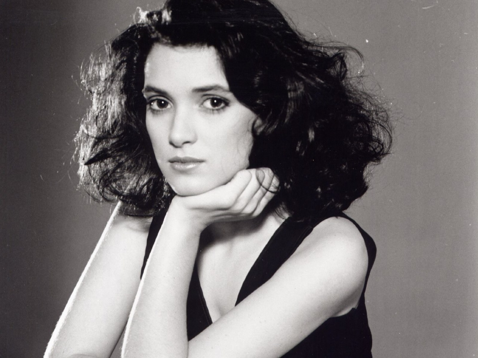 1600x1200 - Winona Ryder Wallpapers 32