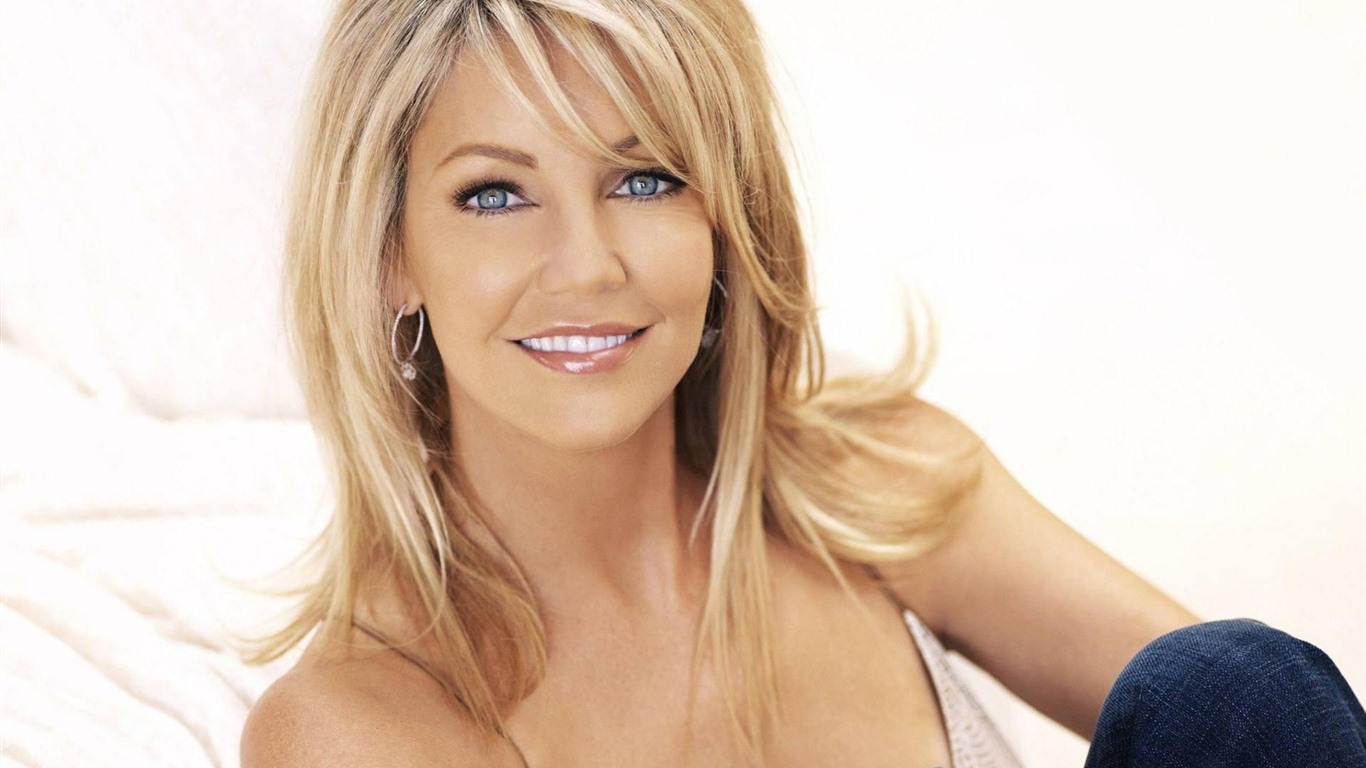 1366x768 - Heather Locklear Wallpapers 6
