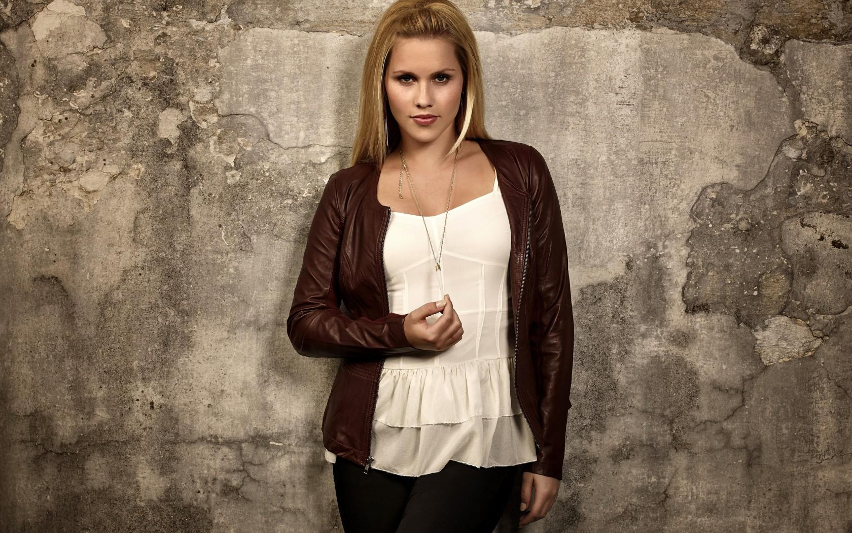 1680x1050 - Claire Holt Wallpapers 1