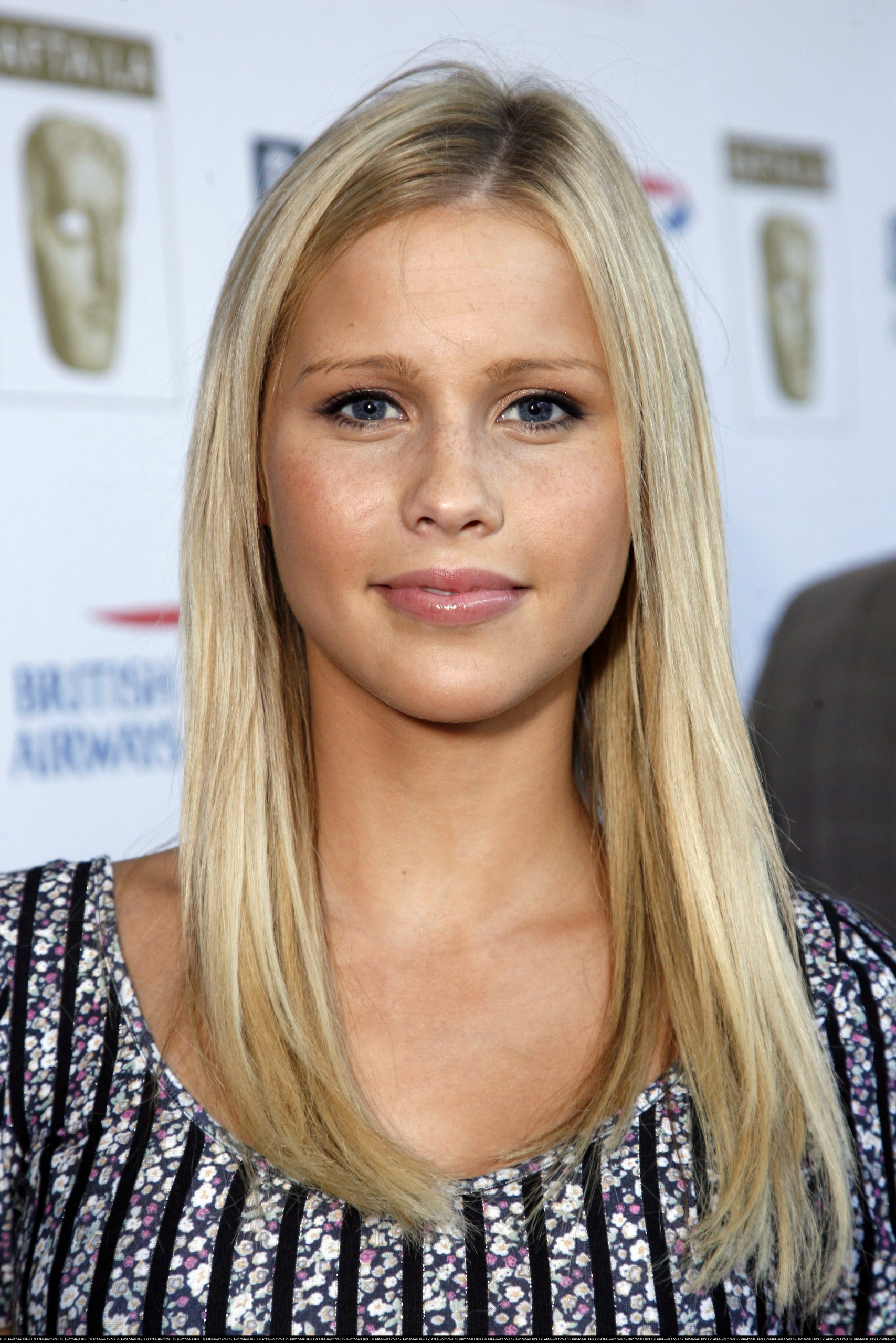 1707x2560 - Claire Holt Wallpapers 24