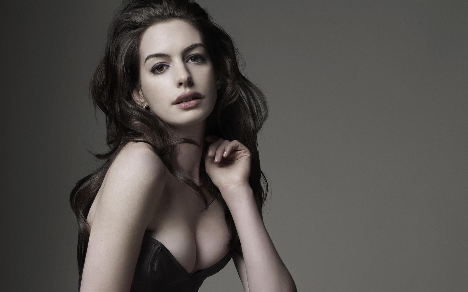 1920x1200 - Anne Hathaway Wallpapers 20
