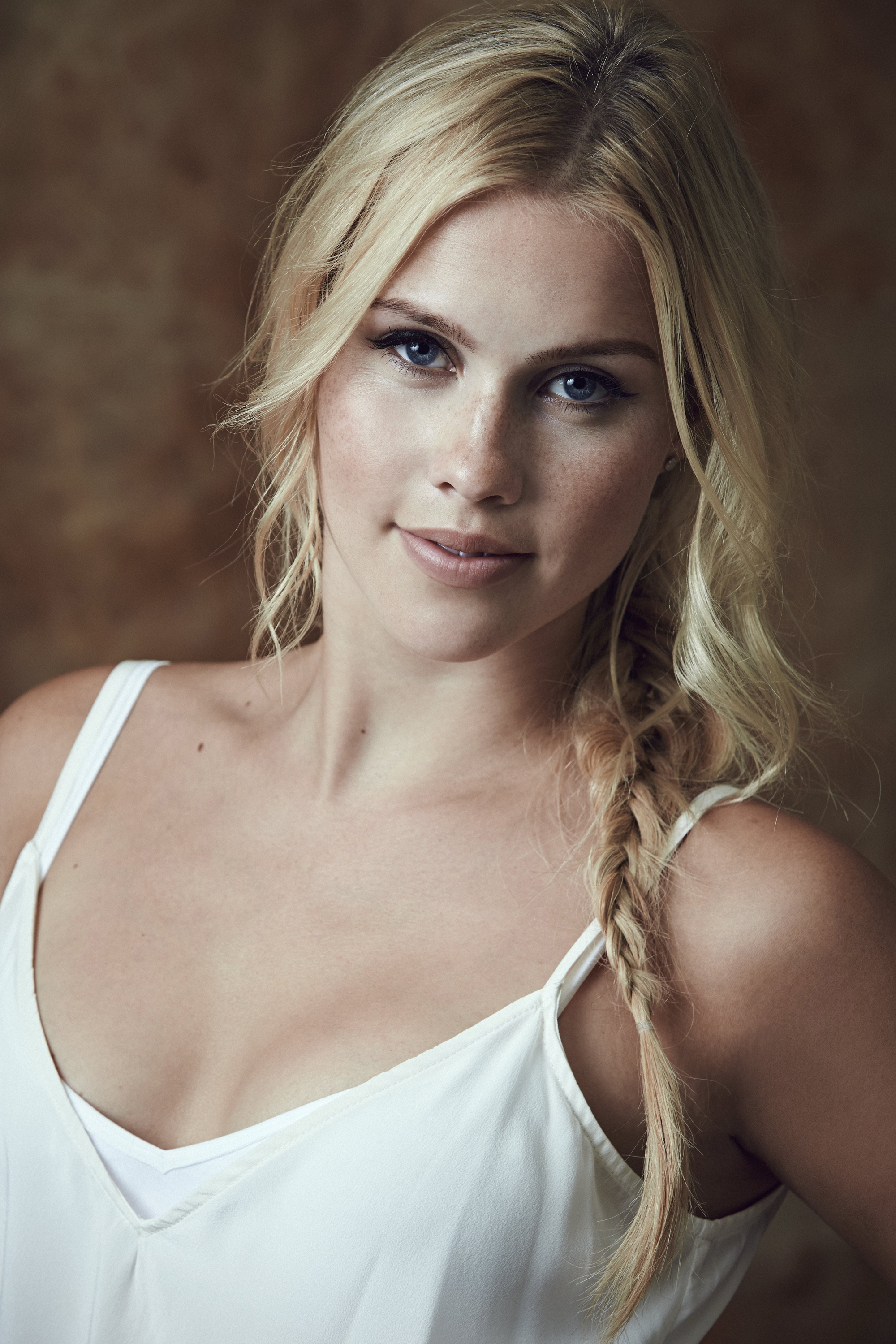 2000x2999 - Claire Holt Wallpapers 7