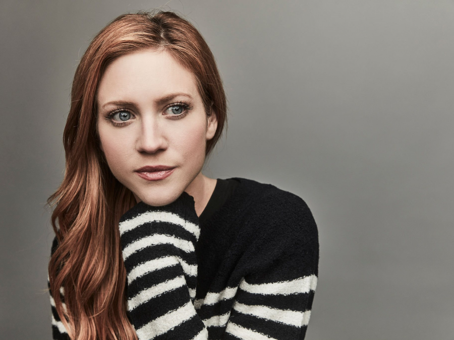 900x675 - Brittany Snow Wallpapers 18