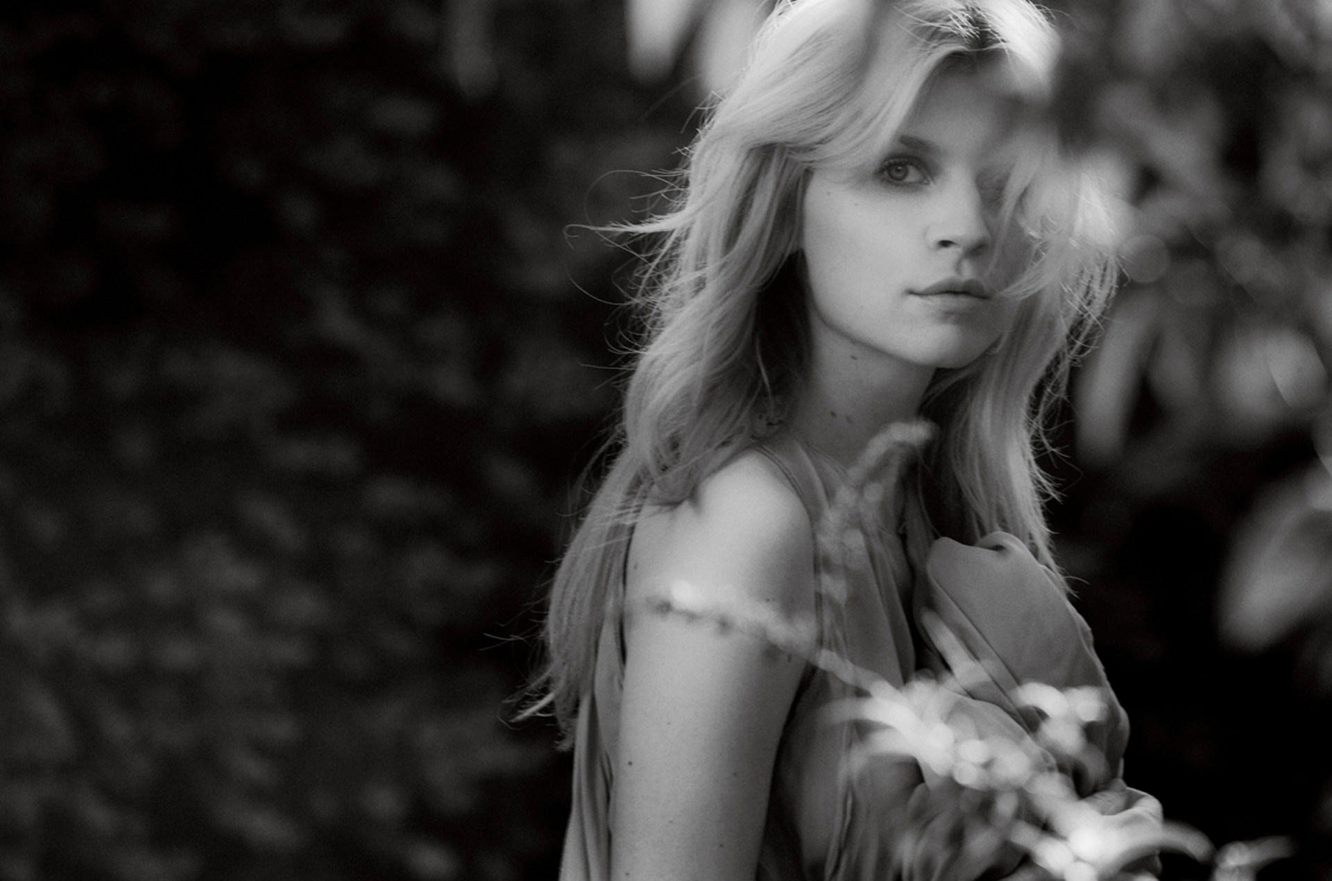 1920x1270 - Clemence Poesy Wallpapers 10