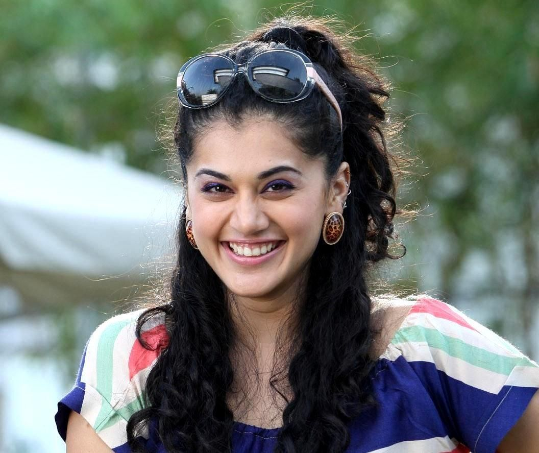 1056x887 - Tapsee pannu Wallpapers 22