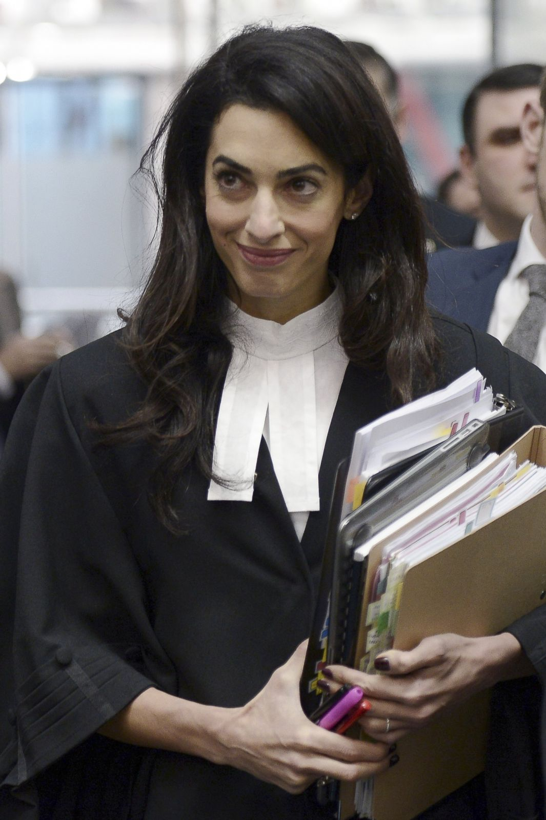 1065x1600 - Amal Clooney Wallpapers 30