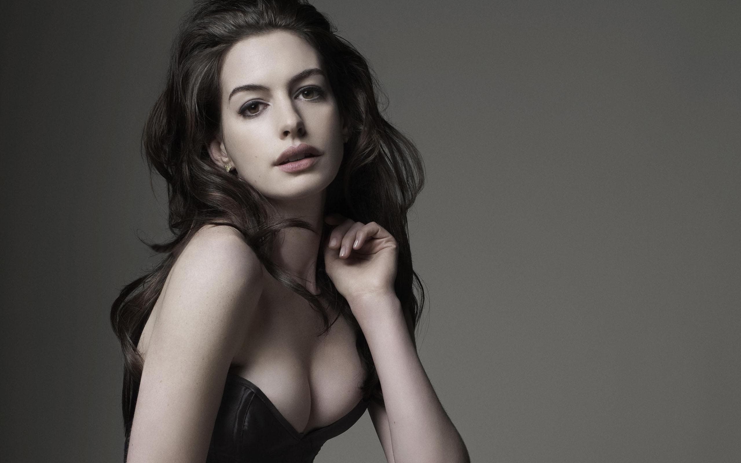 2560x1600 - Anne Hathaway Wallpapers 24