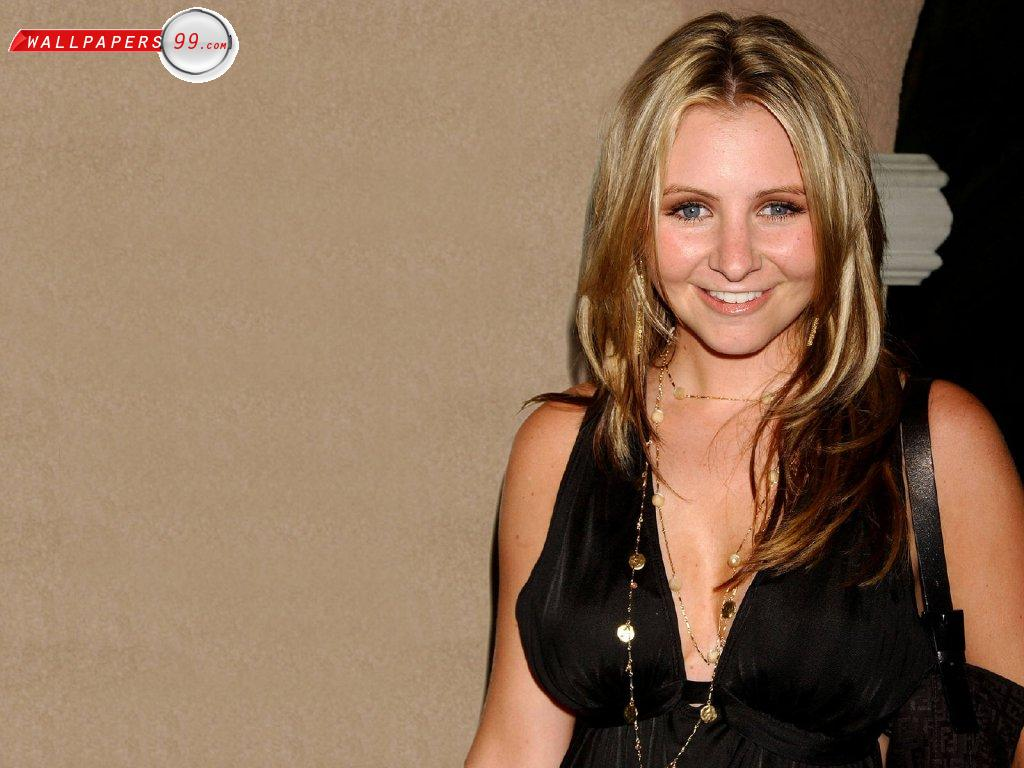 1024x768 - Beverley Mitchell Wallpapers 23