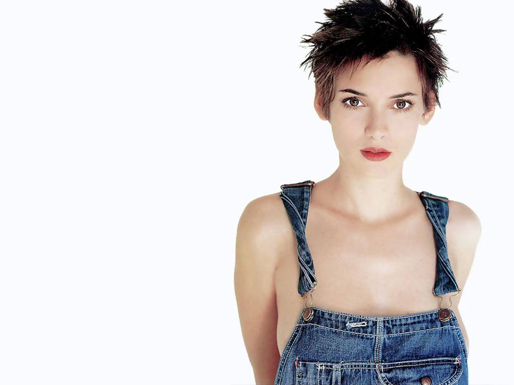 1024x768 - Winona Ryder Wallpapers 18