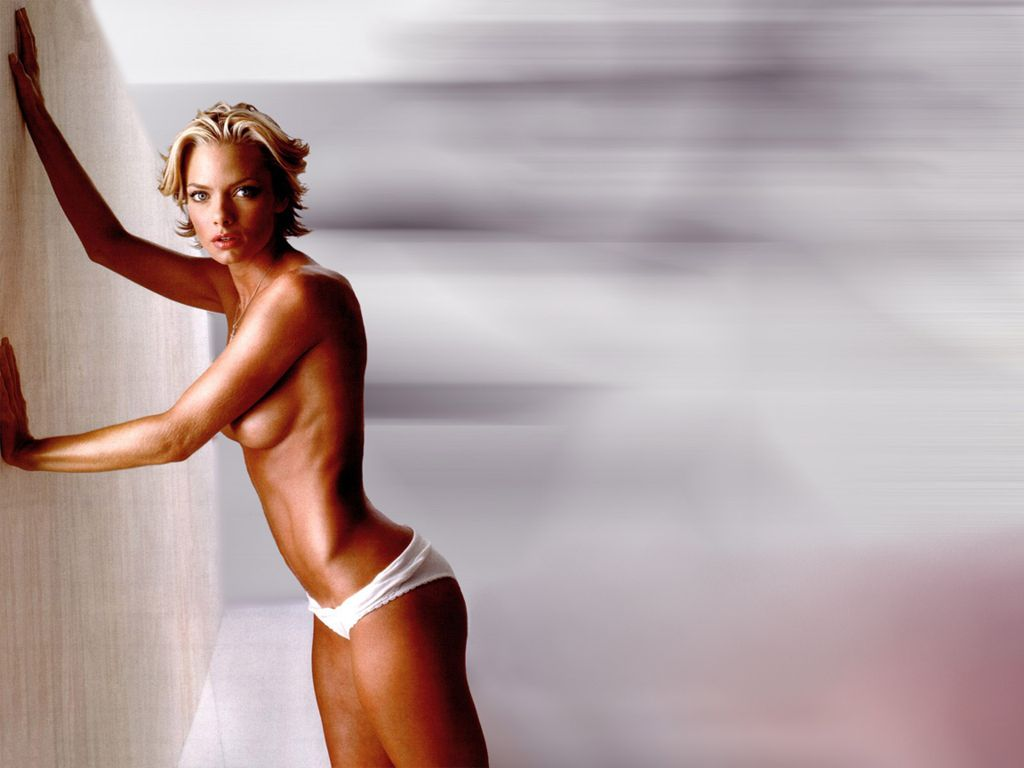 1024x768 - Jaime Pressly Wallpapers 12